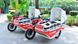Two Hero Xtreme 200R first-responder vehicles delivered to Civil Hospital in Gurugram