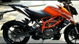 Upcoming 2021 KTM 125 Duke detailed in a walkaround video