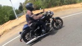 650cc Royal Enfield Cruiser Spied by Interceptor 650 Rider [Video]