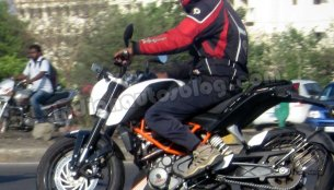 Spied - KTM Duke 390 caught testing in Pune