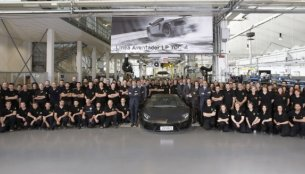 2,000th Lamborghini Aventador LP 700-4 rolls out of Sant'Agata Bolognese