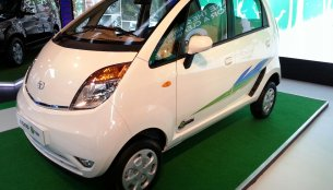 Report - Tata Nano emax CNG to be launched in October