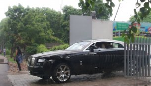 Spied - The Rolls Royce Wraith arrives in India; festive season launch likely