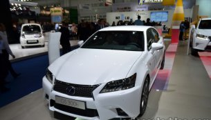 Frankfurt Live - Entry-level Lexus GS 300h arrives
