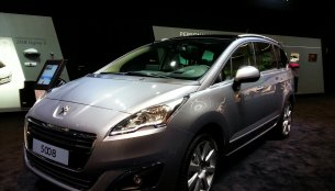 Frankfurt Live - Peugeot 5008 facelift shows you what a stylish MPV should look like