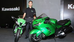 Report - Kawasaki launch Ninja ZX-10R and ZX-14R in India, announce standalone dealers