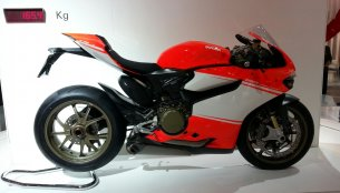 EICMA Live - Ducati 1199 Superleggera, new Ducati Monster 1200, 899 Panigale unveiled