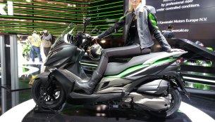 EICMA Live - Kawasaki J300 premieres