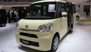 2013 Tokyo Motor Show Live - New Daihatsu Tanto