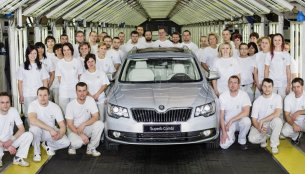 Czech Republic - Skoda's Kvasiny plant ends 2013 on a high, rolls out 500,000th Superb
