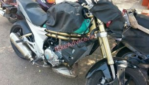 Spied - Mahindra Mojo with a possibly new fuel tank design