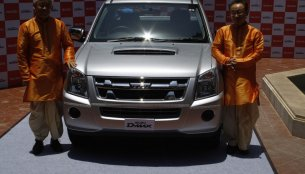 Live - Isuzu D-MAX and Space Cab launched from INR 5.99 lakhs