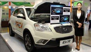 Korea - Ssangyong Korando C EV-R range extender hybrid showcased at ENVEX 2014
