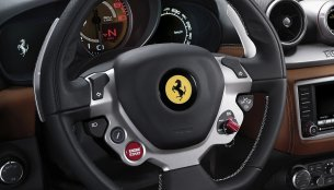 Report - Ferrari patents a new steering system