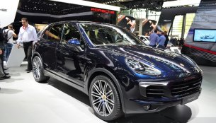 Paris Live - 2015 Porsche Cayenne (India-bound next year) and Cayenne Hybrid