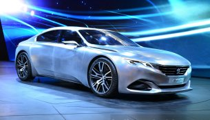 Paris Live - Euro-spec and revised Peugeot Exalt Concept