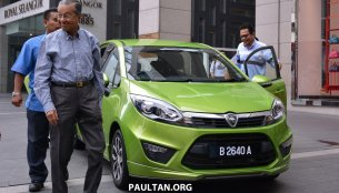 Malaysia - Proton Iriz (P2-30A) driven in public by Dr. Mahathir Mohamad