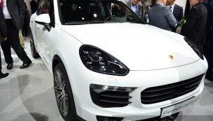 Paris Live - 2015 Porsche Cayenne S E-Hybrid