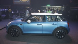 IAB Report - 2014 Mini 5-door launched at INR 35.2 lakhs [Images Updated]