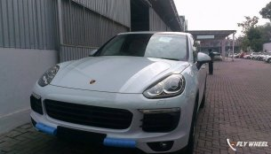 Spied - 2015 Porsche Cayenne (facelift) arrives in India