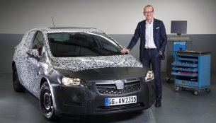 2016 Opel Astra lighter by 120kg; Unveiling at Frankfurt Motor Show - IAB Report