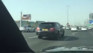 Bentley Bentayga undergoes hot-weather testing in Middle East - Spied [Video]