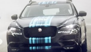 India-bound Jaguar F-Pace with sparse camouflage revealed - Video