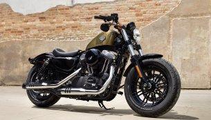 Harley Davidson Dark Custom range, select 2016 models unveiled - IAB Report