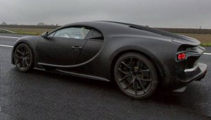 Best look yet at the Bugatti Chiron - Spied [Video]