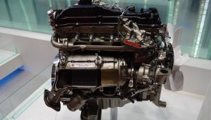 2.8L GD engine mounted on the India-bound 2016 Fortuner showcased in Tokyo - IAB Report