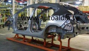 2017 Chevrolet Cruze Hatchback body shell spotted - Spied