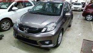 Honda Brio facelift VX-MT with new interior spied at Indian dealer