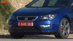 2017 Seat Leon Cupra (facelift) spied almost undisguised