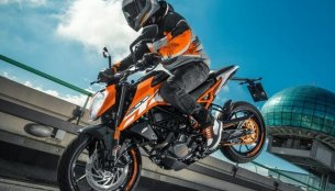 2017 KTM Duke 200 spied in India ahead of its launch