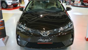 2017 Toyota Corolla (facelift) bookings open now in India - Report