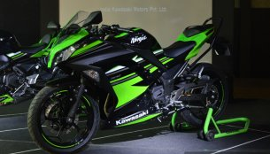 Kawasaki Ninja 300 gets cash discount of INR 41,000