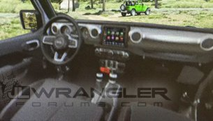 2018 Jeep Wrangler interior revealed in leaked images