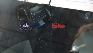 Top-end Jeep Compass Limited's 7.0 inch UConnect touchscreen spied