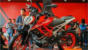 2017 KTM Duke 250 & 2017 KTM Duke 390 launched - Indonesia