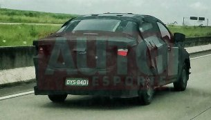 Fiat X6S (Fiat Linea successor) spotted in production body [Update]