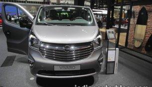 2017 Opel Vivaro Tourer - IAA 2017 Live