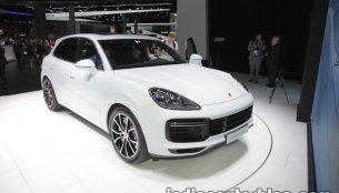 2018 Porsche Cayenne Turbo - IAA 2017 Live