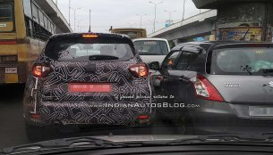 Renault Captur test prototype spotted next to a Maruti Swift