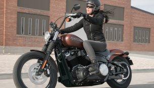 Harley-Davidson Street Bob vs. Triumph Bonneville Bobber - Spec Comparo