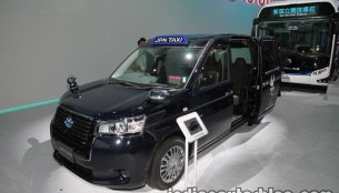 Toyota JPN Taxi at the 2017 Tokyo Motor Show - Live