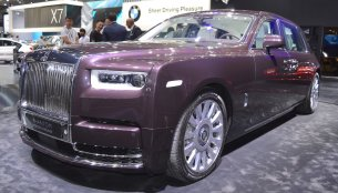 2018 Rolls-Royce Phantom EWB showcased at the 2017 Dubai Motor Show