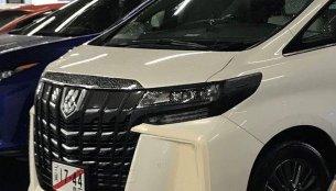 2018 Toyota Alphard facelift spied in Japan