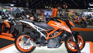 2017 KTM 390 Duke & 2017 KTM RC 390 at 2017 Thai Motor Expo - Live