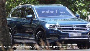2018 VW Touareg spied completely undisguised during promotional shoot