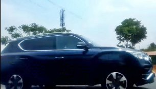Mahindra Rexton (G4 SsangYong Rexton) spied [Video]